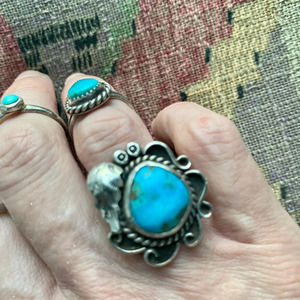 VINTAGE LARGE STERLING SILVER TURQUOISE RING